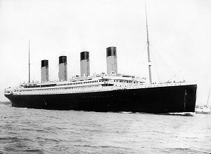 800px-RMS_Titanic_3