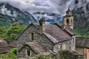 1280px-2011-06-08_11-53-34_Switzerland_Cantone_Ticino_Boschetto_HDR