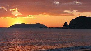 Tramonto_con_vista_circeo_-_panoramio